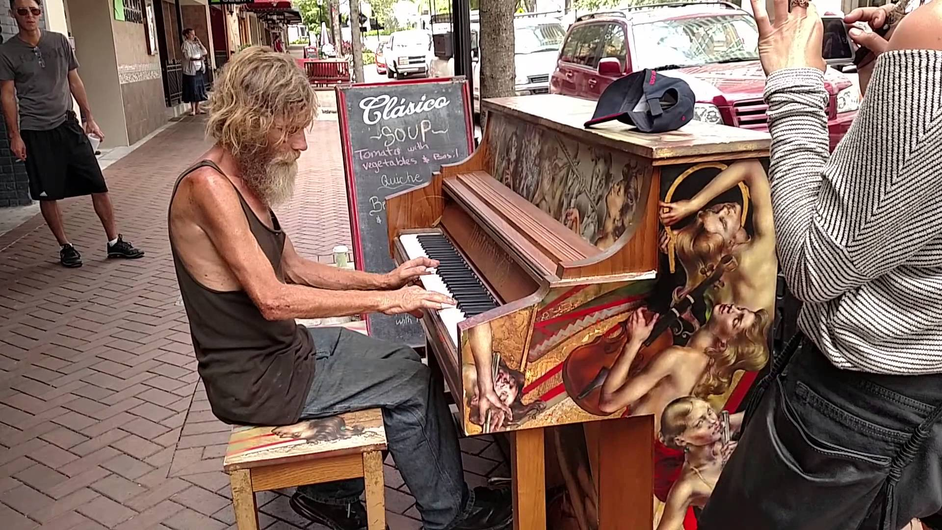 Homeless Man in Sarasota, Florida is a Piano Virtuoso