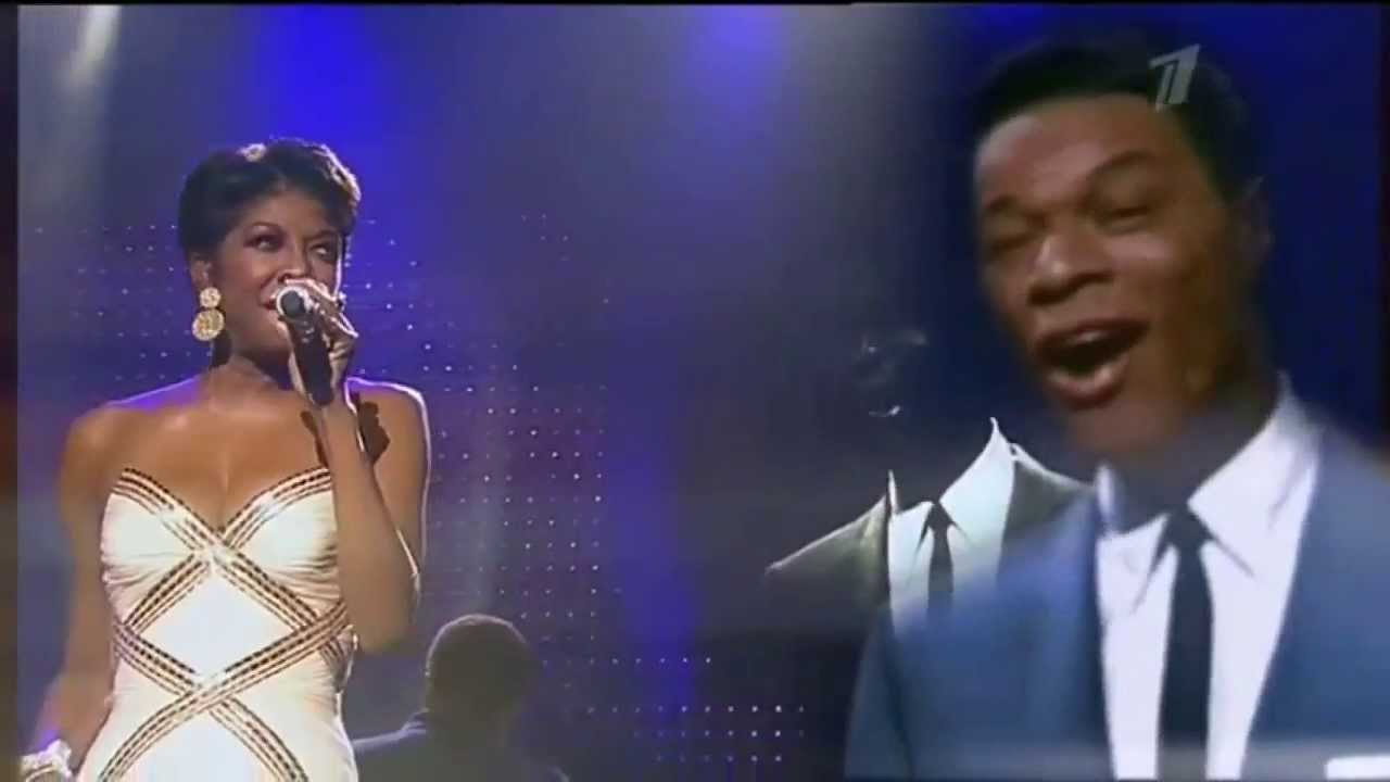 """Remembering Natalie King Cole: The Legendary Singer Performs """"Unforgettable"""" Live"""