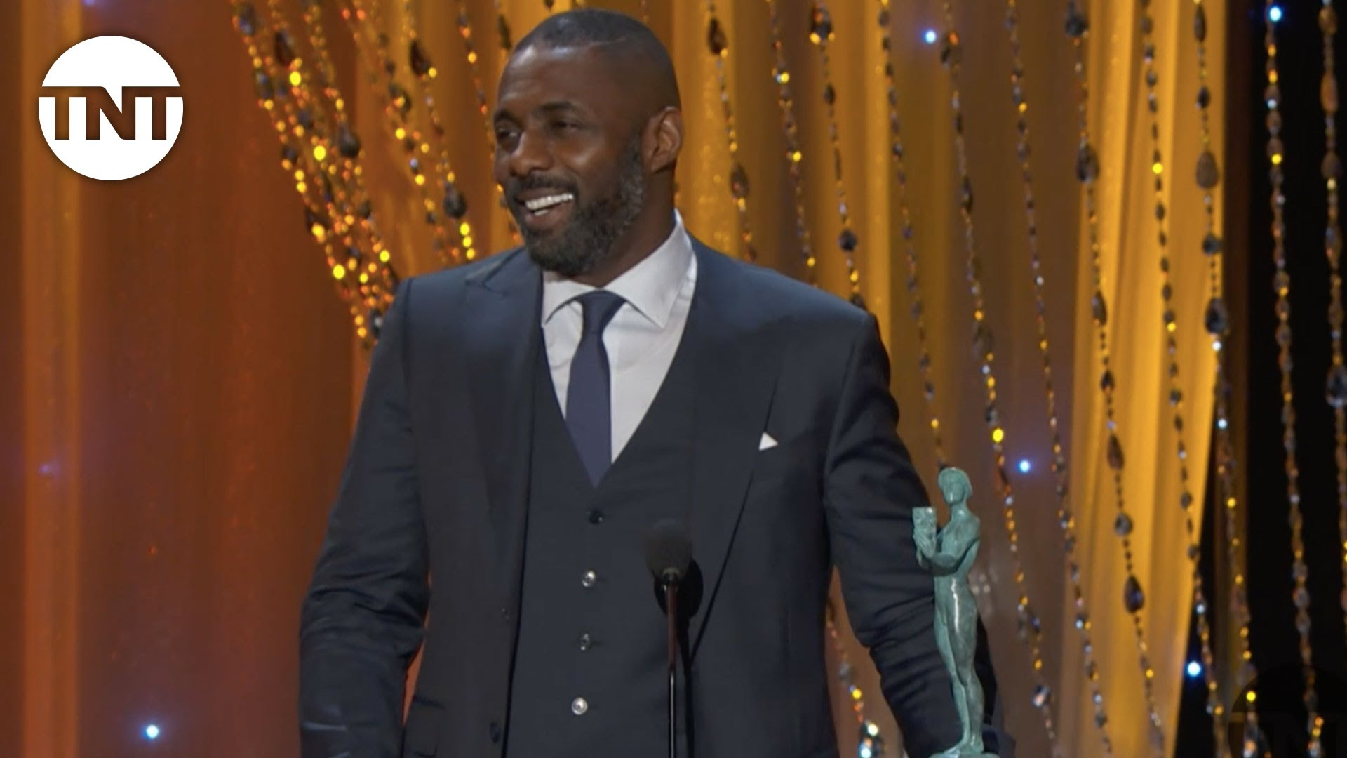 Idris Elba Makes History With 2 SAG Awards, Queen Latifah and Viola Davis Also Winners [VIDEO]