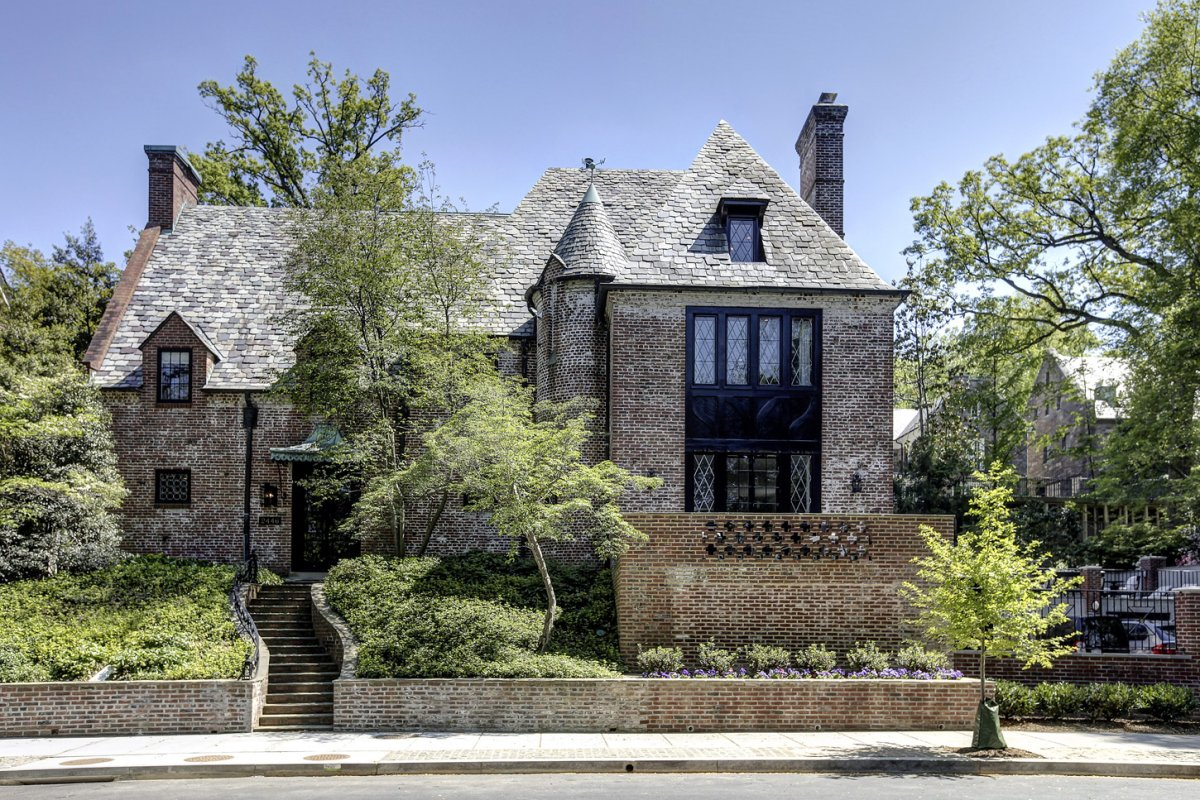 the-obamas newly-leased-mansion
